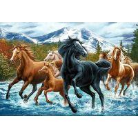 Лошади на фоне гор