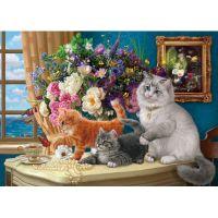 Мама кошка с котятками